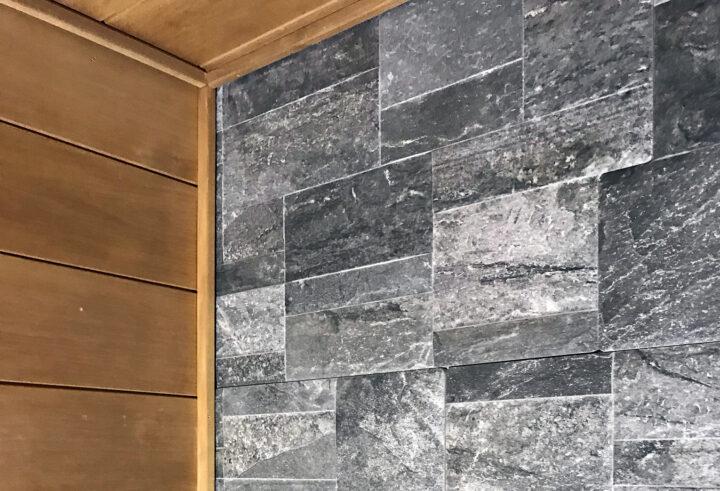 Haluatko rentoutua arjen keskellä? Uusi toimiva sauna takaa mieltä rauhoittavat koti-illat.